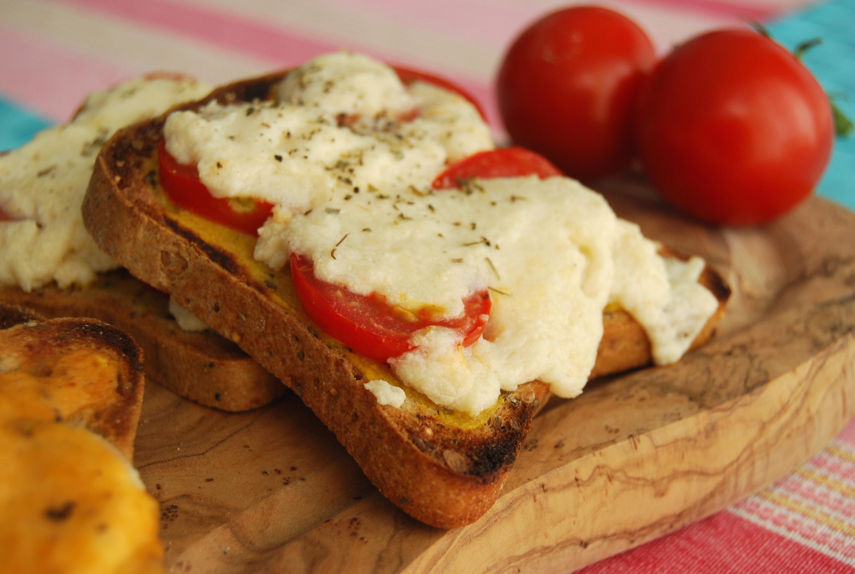 Vegan Welsh Rarebit Two Ways – Mushroom and Tomato | veghotpot