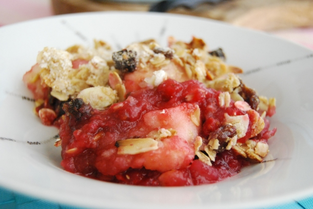 Apple and Mix Berry Crumble